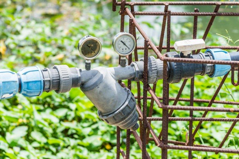 Как выбрать насос для подачи воды на даче