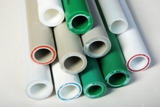 Какие трубы для системы водяного теплого пола наиболее оптимальны?