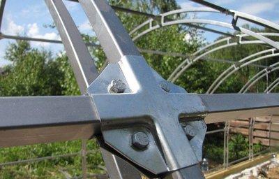 Крепление каркаса с помощью краб-системы