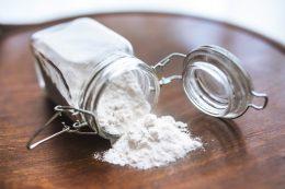 Способы применения пищевой соды на даче
