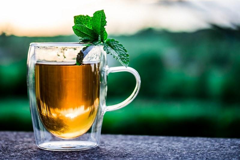 Из чего можно сделать полезный чай на даче