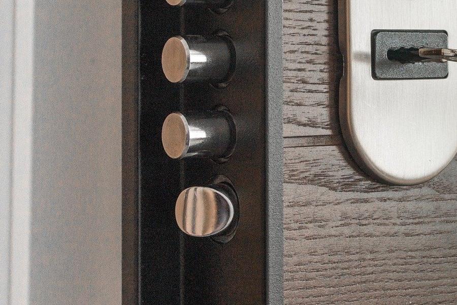 Конструкция дверей с терморазрывом